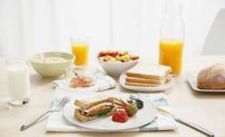 不吃早餐危害大 各种疾病找上门